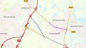 Het ontbreken van een goede oost-westverbinding zorgt dagelijks voor files op de provinciale wegen N203 en N246. Dit leidt in Krommenie en Assendelft tot ernstige overlast, van onder meer sluipverkeer, geluidhinder en slechte luchtkwaliteit. Een betere verbinding tussen de A8 en A9 is van groot belang om deze problemen op te lossen. De provincie Noord-Holland, de Vervoerregio Amsterdam en de gemeenten Zaanstad, Uitgeest, Heemskerk, Beverwijk en Velsen onderzoeken samen de mogelijkheden om de doorstroming en de leefbaarheid voor nu en voor de toekomst te verbeteren.